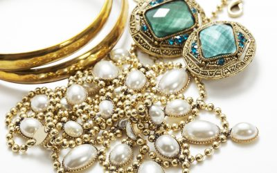 How Old Is Vintage Jewelry?